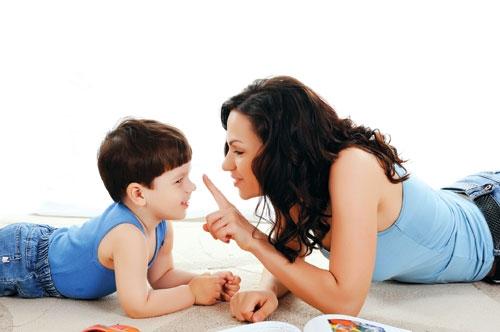 Những cách đơn giản giúp bé nhanh biết nói